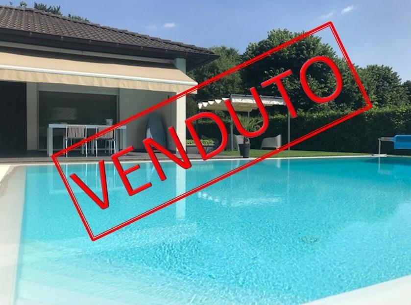 Villa singola con piscina Carimate