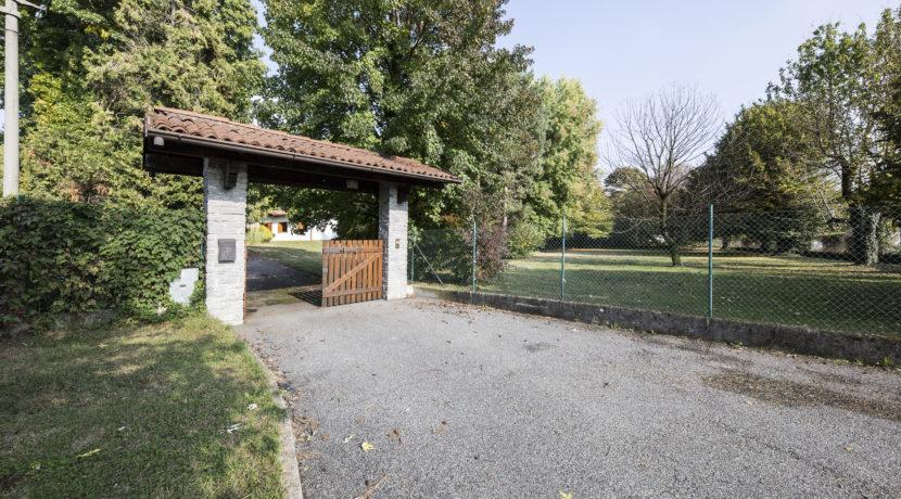 Villa singola con giardino a Guanzate
