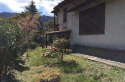 appartamento con giardino e box Laglio
