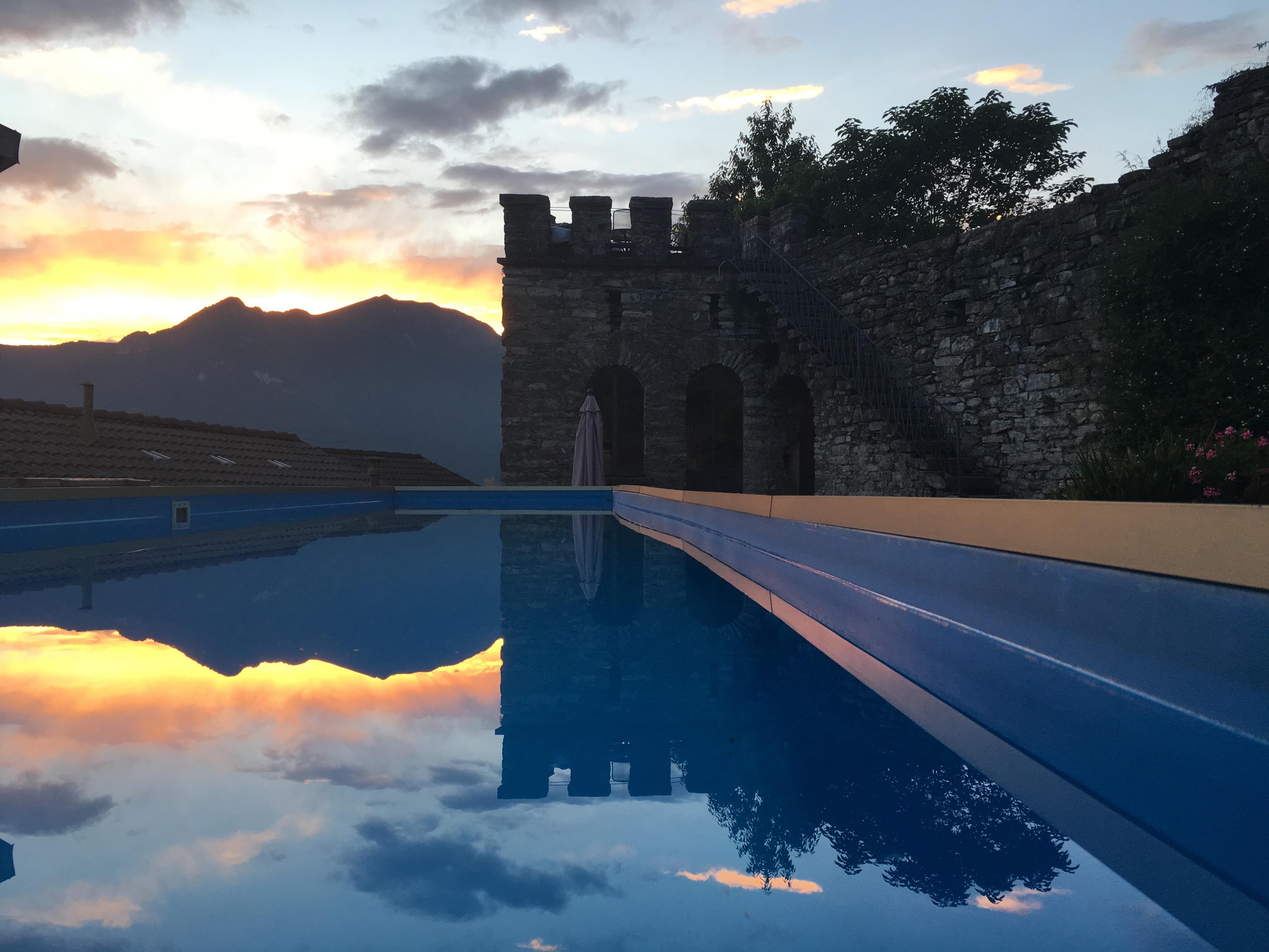 Villa con torre storica, Faggeto Lario
